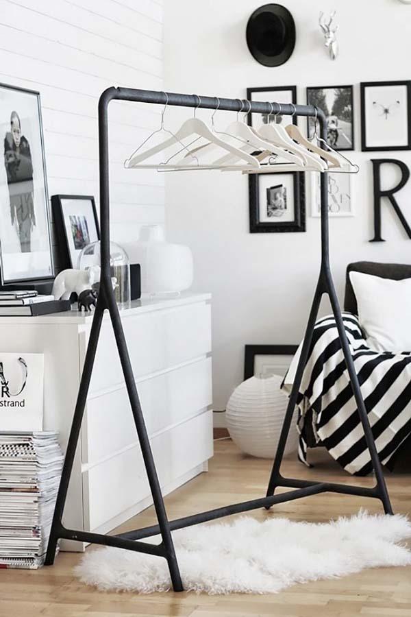 вешалка для одежды напольная фото в интерьере